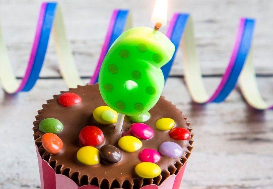 Hand Die 0 9 Zahl Kerzen Fur Geburtstags Kuchen Mit Punkt Entwurf Malt